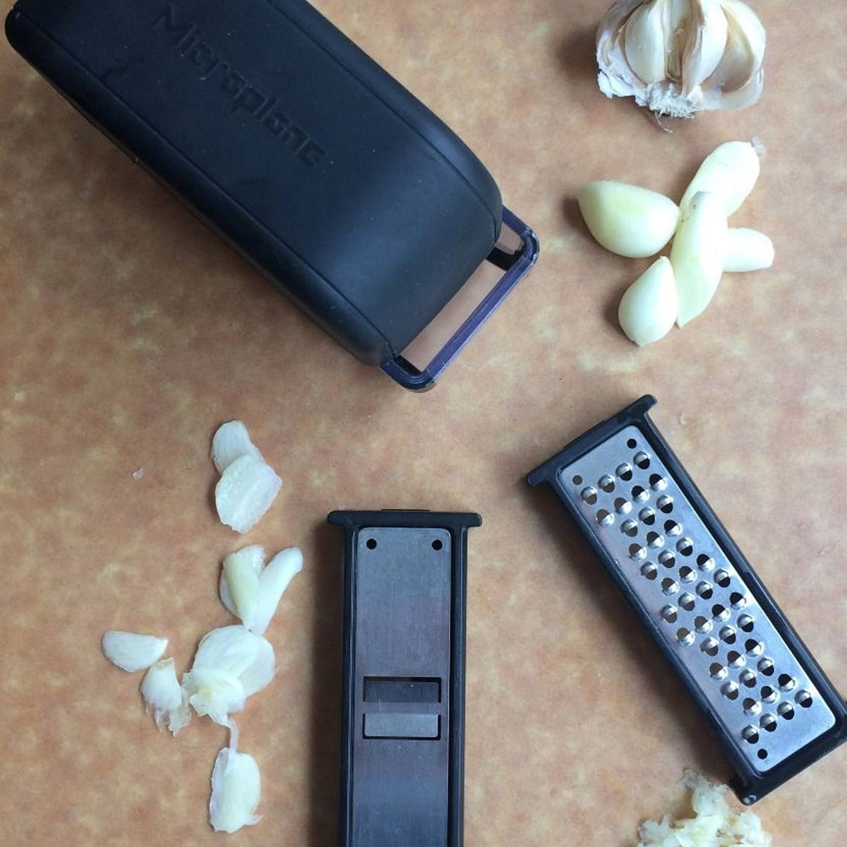 Black 48048 Microplane Specialty Series Garlic Mince /& Slice Set